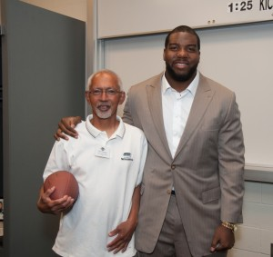 Symetra-Hero-in-the-Classroom-Paul-Chappell-Leschi-Elementary-with-Seattle-Seahawk-Russell-Okung